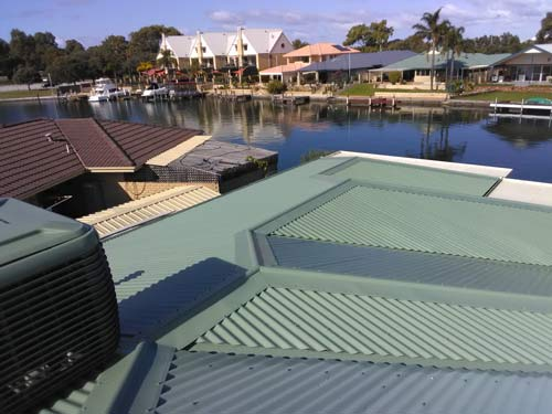 Roof replacement in Mandurah using Colorbond.